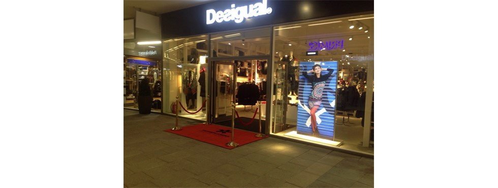 Desigual Praha - Fashion Arena Prague Outlet