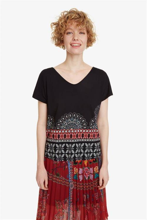 tričko Desigual Uma negro