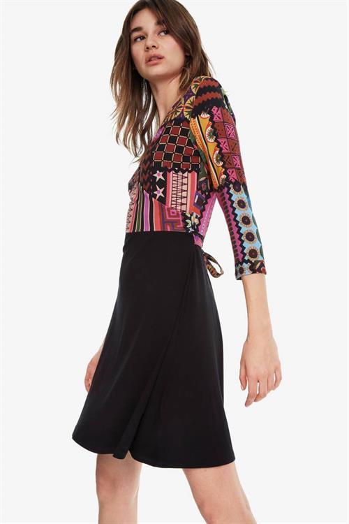 šaty Desigual Jill negro