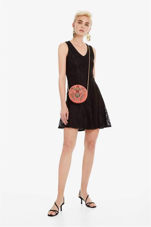 šaty Desigual Croacia negro