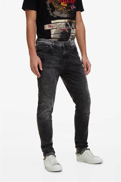 džínsy Desigual Alejo negro