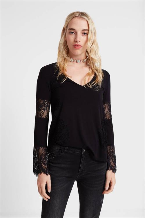 tričko Desigual Amelia negro