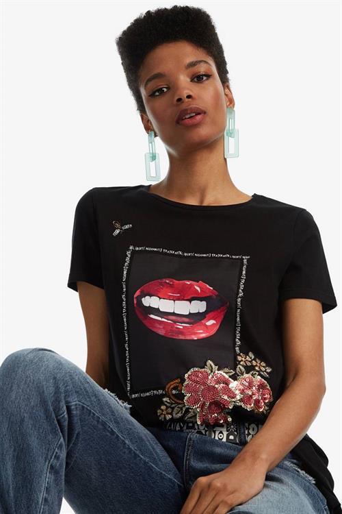 tričko Desigual Lips negro