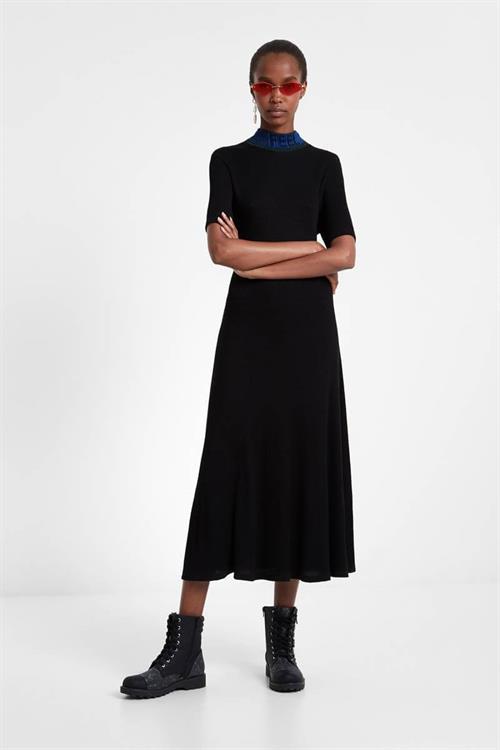 šaty Desigual Lauren negro