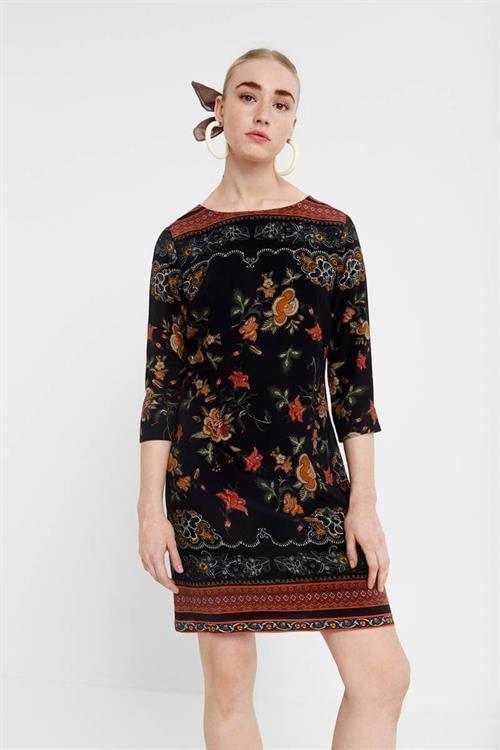 šaty Desigual Praga negro