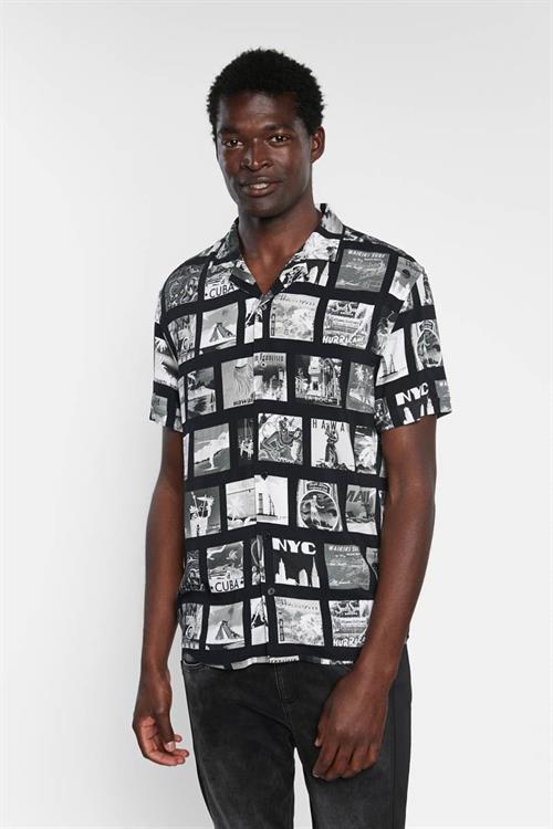košile Desigual Gabriel negro