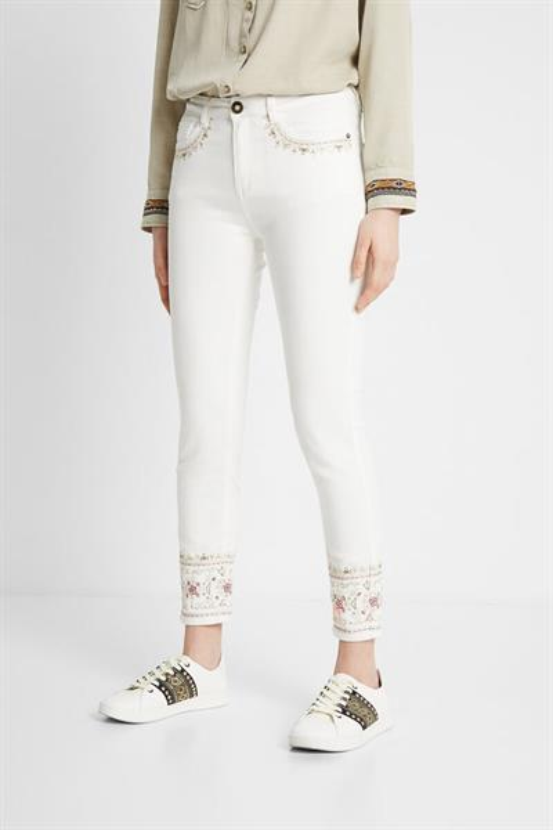 jeansy Desigual India blanco