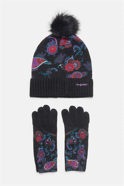 zimní čepice Desigual Anubis negro