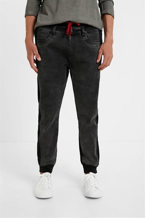kalhoty Desigual Wom/Man Bottoms negro