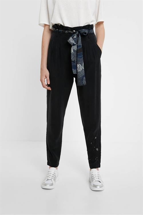 kalhoty Desigual Charlotte negro