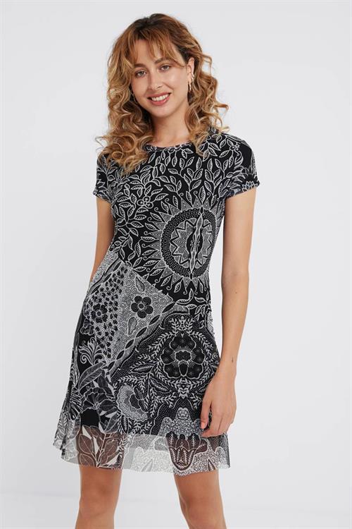 šaty Desigual Paris negro