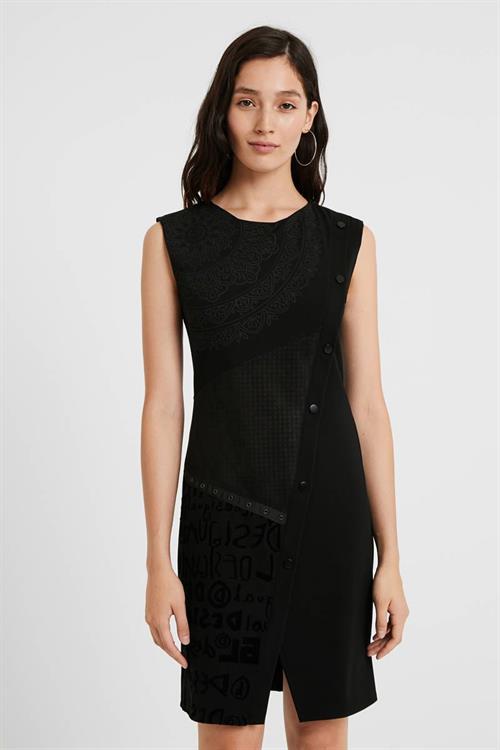 šaty Desigual New Hyork negro