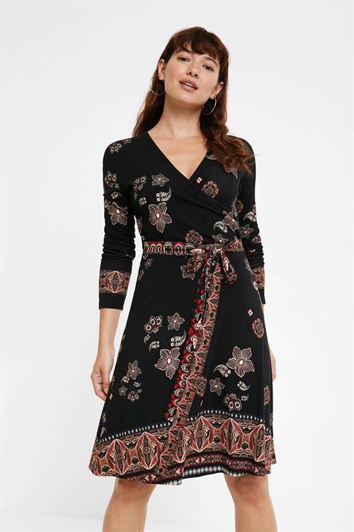 šaty Desigual Singapur negro