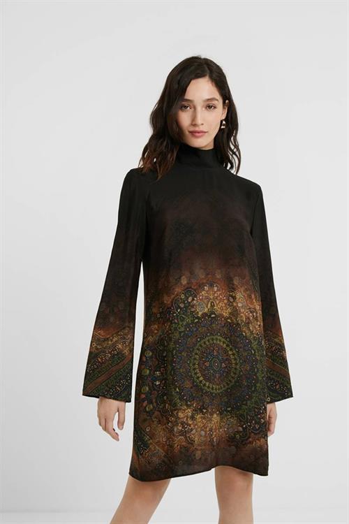 šaty Desigual Buenos Aires negro