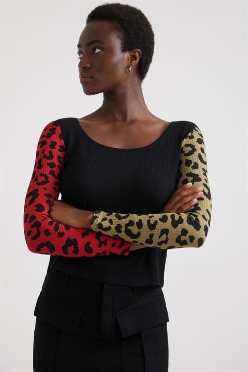 tričko Desigual Ibory negro