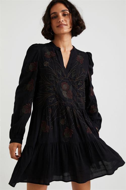 šaty Desigual Hortensia negro